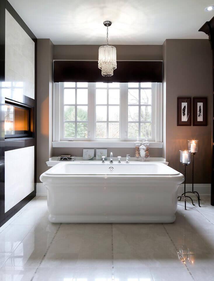 Flat 3-Frame Window Spanning Length of Bathtub