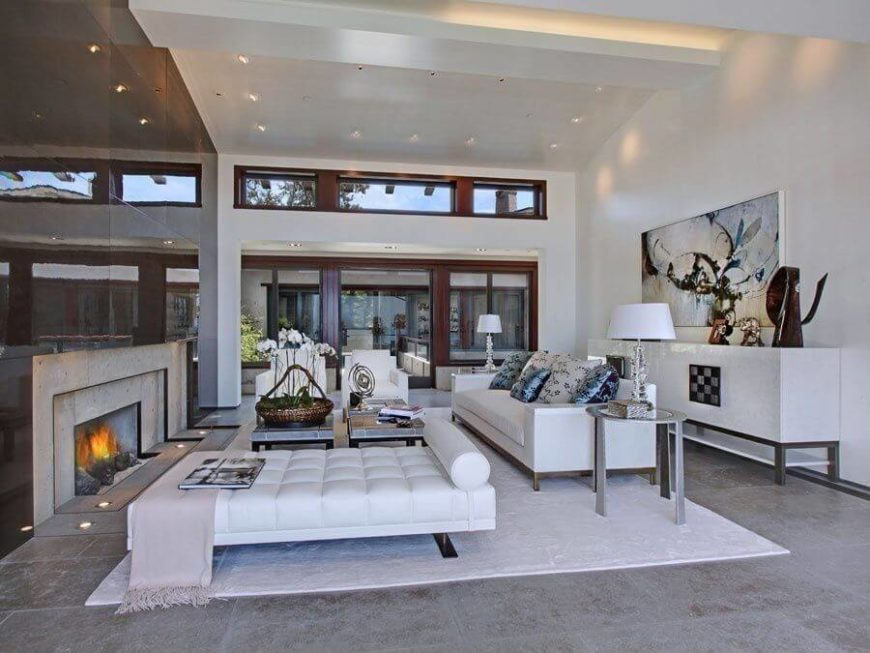 Merveilleux A Large, Open Living Room, This Space Is Well Lit By Both Natural And