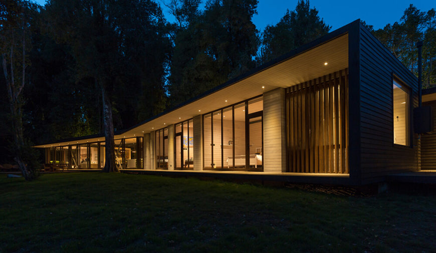 House on Lake Villarrica by Planmaestro Arquitectos