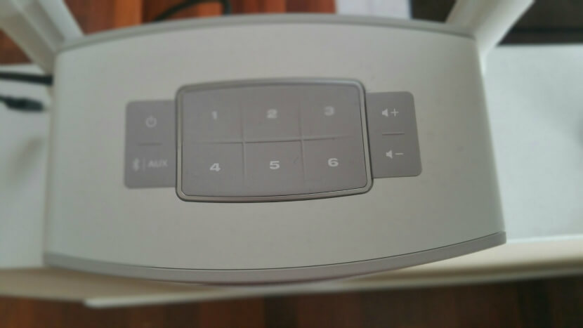 Control Panel of the Bose SoundTouch 10 Stereo