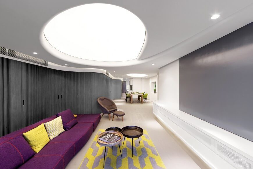 This modern and sleek living room has a brightly lit dome. This dome acts as an amazing light well which can illuminate the entire room. The light reflected is very soft, as direct light can sometimes be harsh