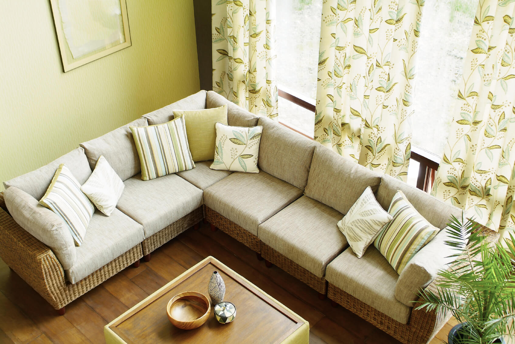 25 cozy living room tips and ideas for small and big for Tv room sofa