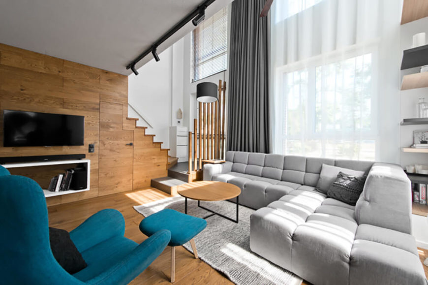 Open Concept River Loft by InArch