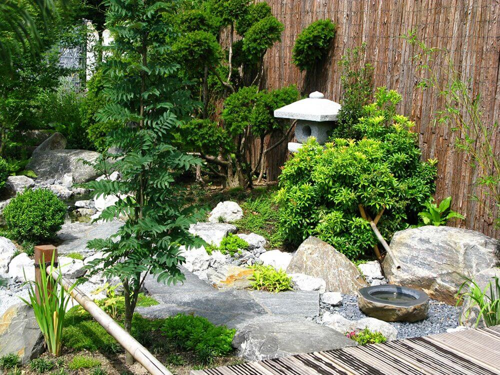 32 Backyard Rock Garden Ideas on Backyard Rocks  id=55950