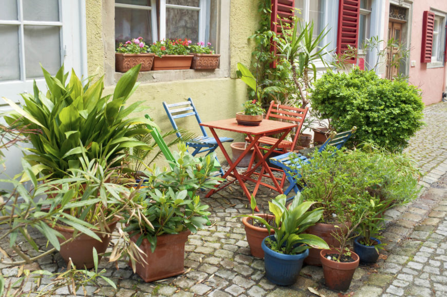 If you live in a location where planting things in the ground is not possible there is no need to worry. Planter gardens make great small gardens for urban areas and you can still be surrounded by greenery.