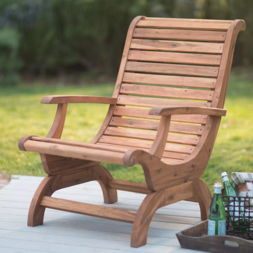 Most adirondack chairs have very straight and simple lines. In contrast, this adirondack chair has soft curved lines which brings a more natural appeal.