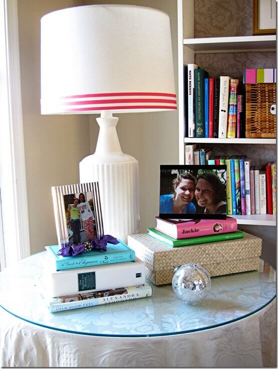 This is a super simple DIY that will bring a little color and springtime to an old, plain lampshade!