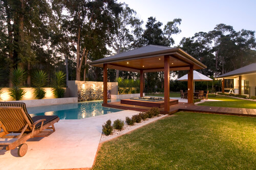 After a nice refreshing swim, it would be wonderful to follow it up with a warm up in this hot tub. The gazebo provides cover but the lighting elements in the ceiling also illuminate the area.