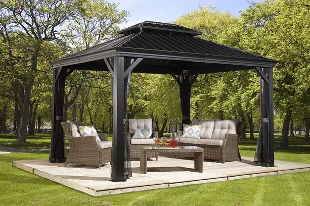 Delicieux If You Need A Simple Topper For Your Patio Set, A Metal Top Gazebo Such