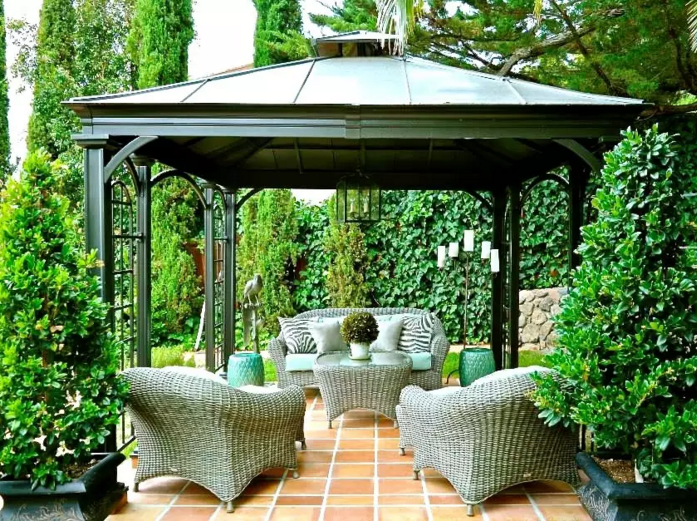 Hedges make a great pair alongside gazebos. When you plant tall hedge bushes near the legs of the gazebo, you can work to accentuate the design and meld it into the rest of the landscape. Rather than sitting as a structure standing out in the space it can be blended in with the landscape.