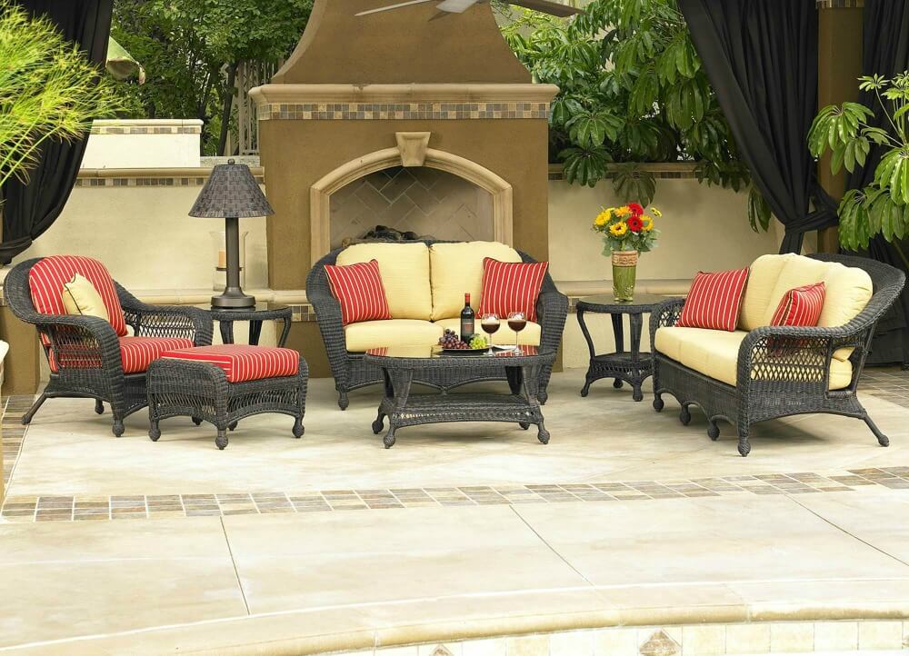 Mediterranean style patio furniture set