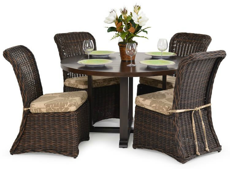 Formal wicker patio dining table and 4 chairs
