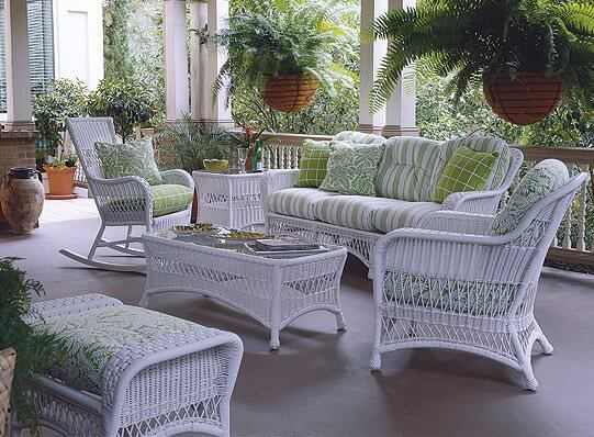 Coastal White Wicker Patio Furniture Set With Matching Coffee Table