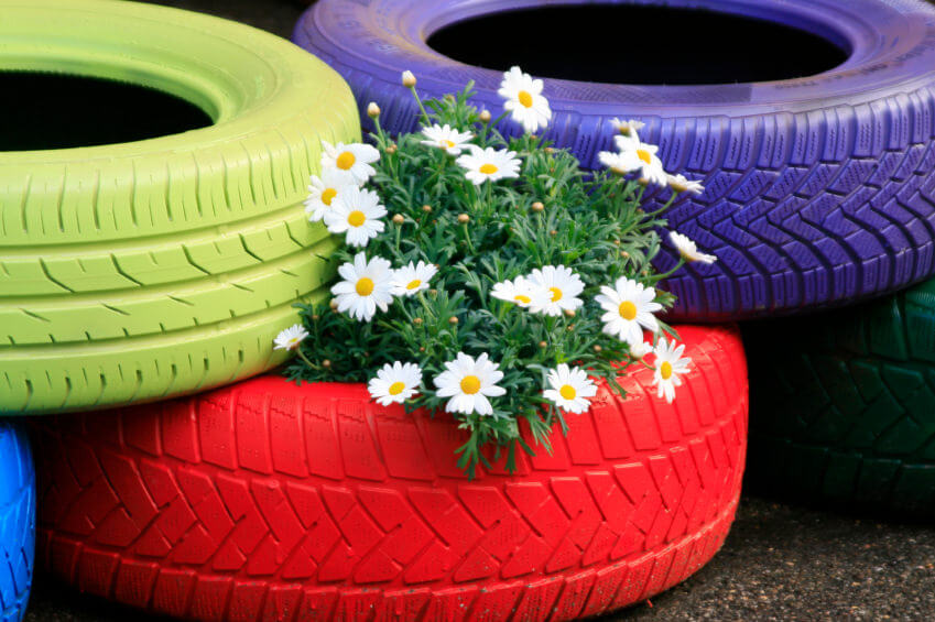 29 Flower Tire Planter Ideas for Your Yard (and Home) - photo#13