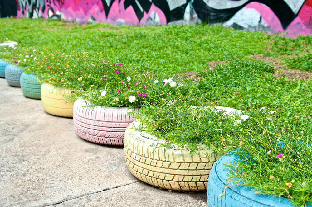 29 Flower Tire Planter Ideas for Your Yard (and Home) - photo#2