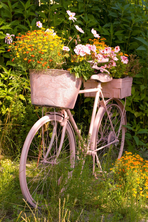 33 bicycle flower planters for the garden or yard - Decoration jardin velo ...