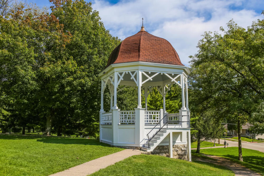 This gazebo has a set of stairs and is built on an uneven surface. The elevation of the gazebo gives it a good vantage point to watch over the surrounding area.