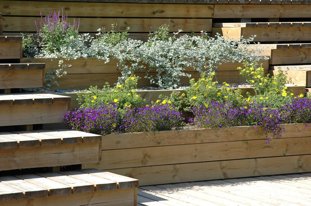 This Tiered Patio Wood Planter Is A Fabulous Way To Border A Deck In Small  Backyard