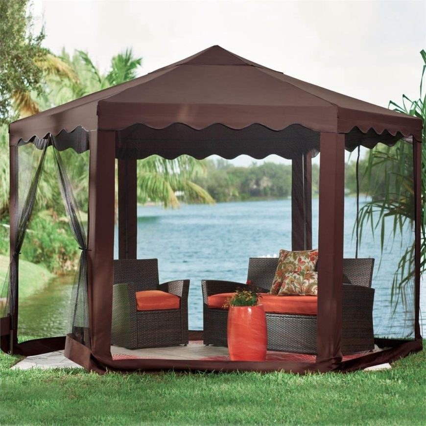 This is another great pop-up example that could be easily collapsed and taken with you on vacation. Instant shade and bug protection!