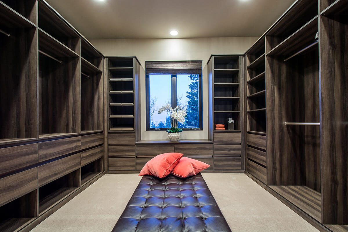 Long Narrow Walk In Closet 67 Reach In And Walk In Bedroom Closet Storage Systems