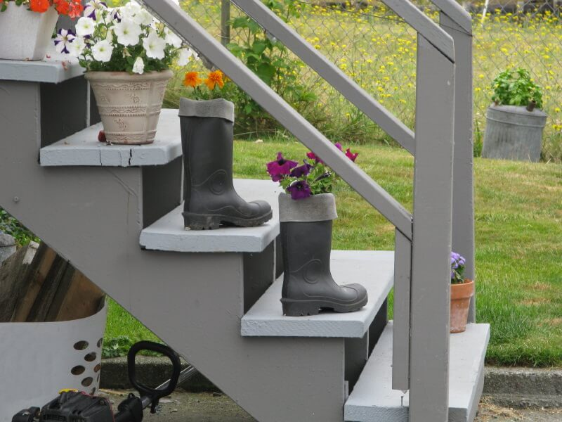 Recycling Is One Of The Easiest And Economical Way Of Beautifying Your  Outdoor Steps. The