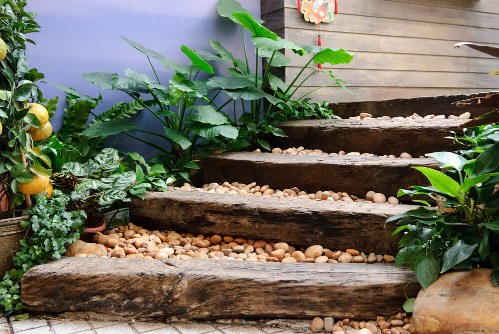 The Oriental Feel Of These Garden Steps Is Thanks To The Combination Of The  Wood Planks