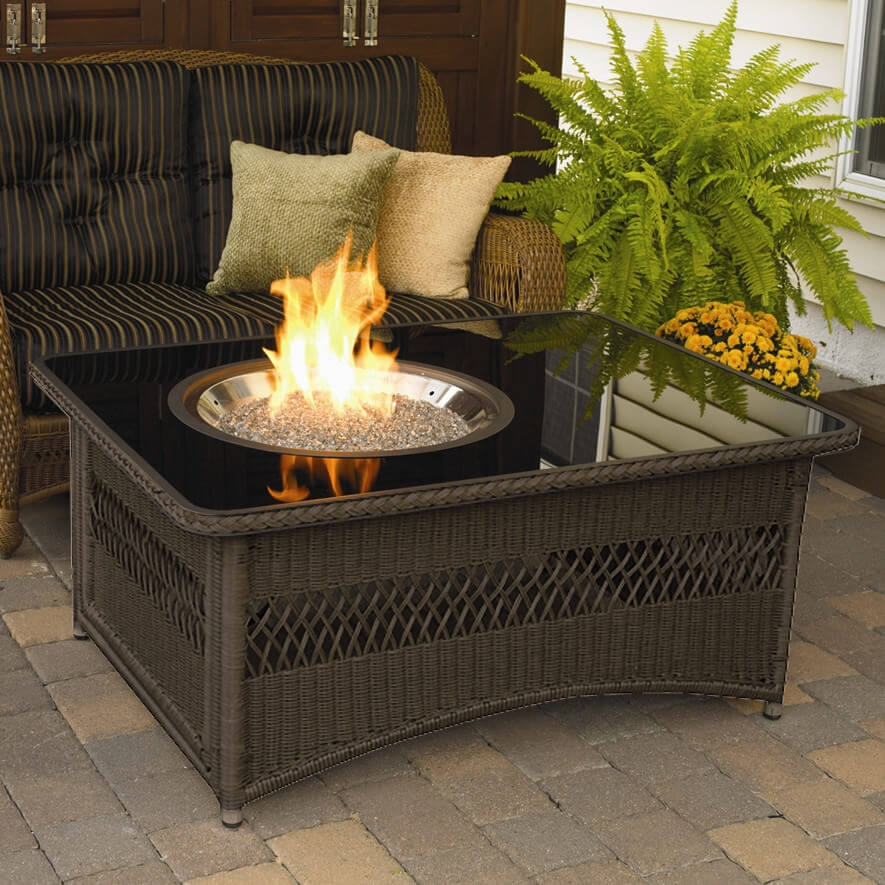 42 backyard and patio fire pit ideas for Foyer exterieur costco