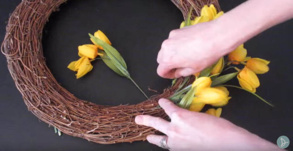 Diy Spring Flower Door Wreath Diy Video And Tutorial