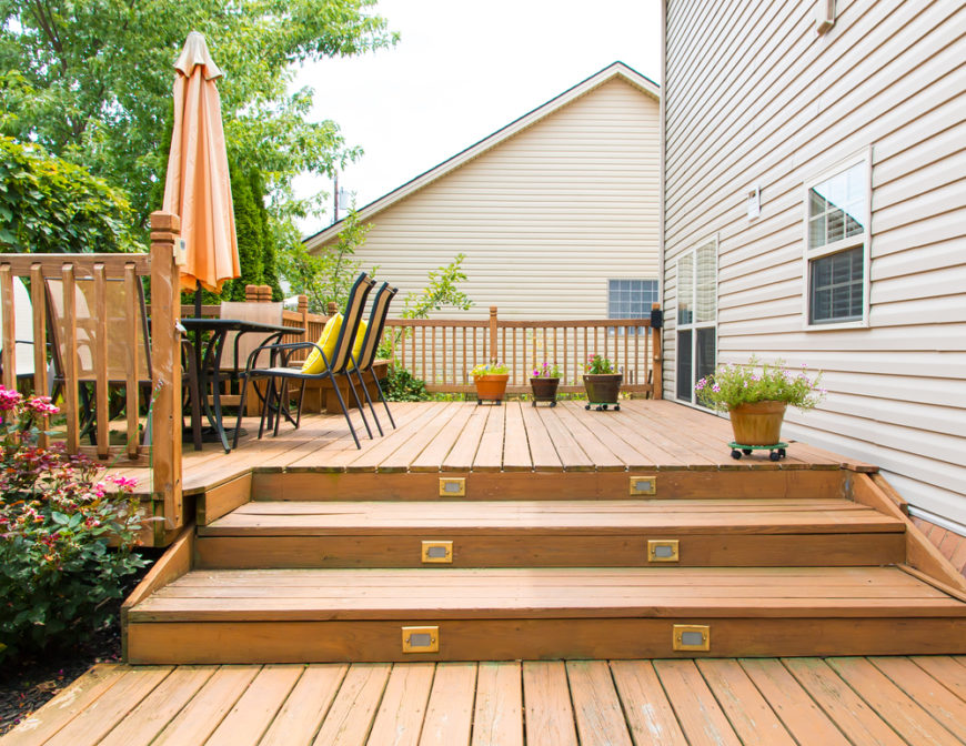 27 extensive multi level decks for entertaining large parties for Box steps deck