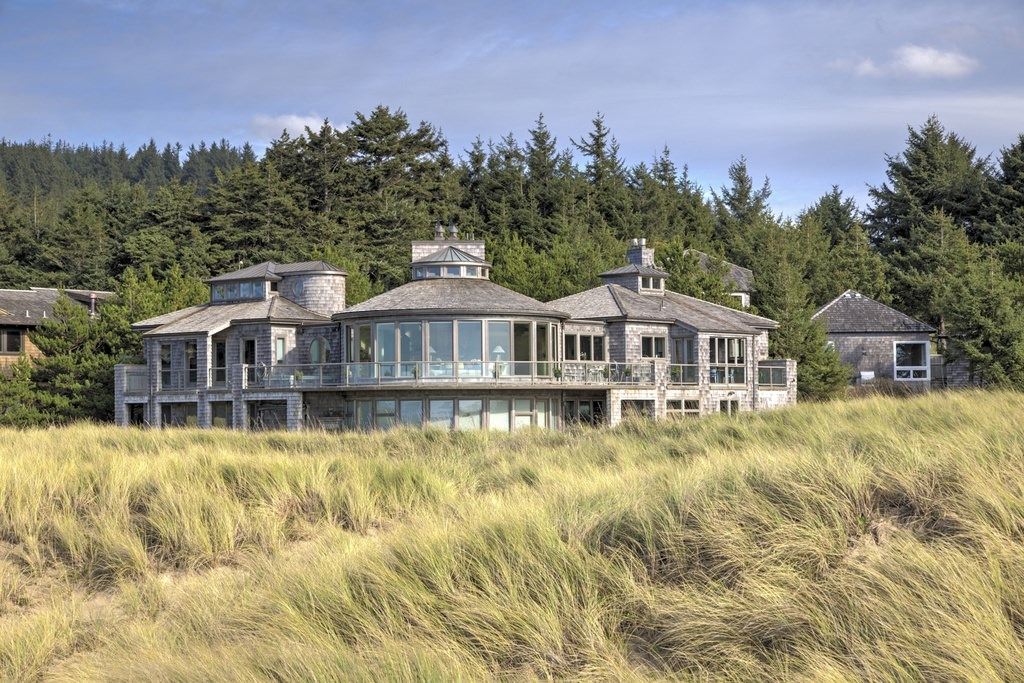 This is a home that you could seriously get lost in. Not just because of the marshy grass just out-front but also because of the sheer size of this oceanfront home. This is a home that would be ideal for entertaining friends and family.
