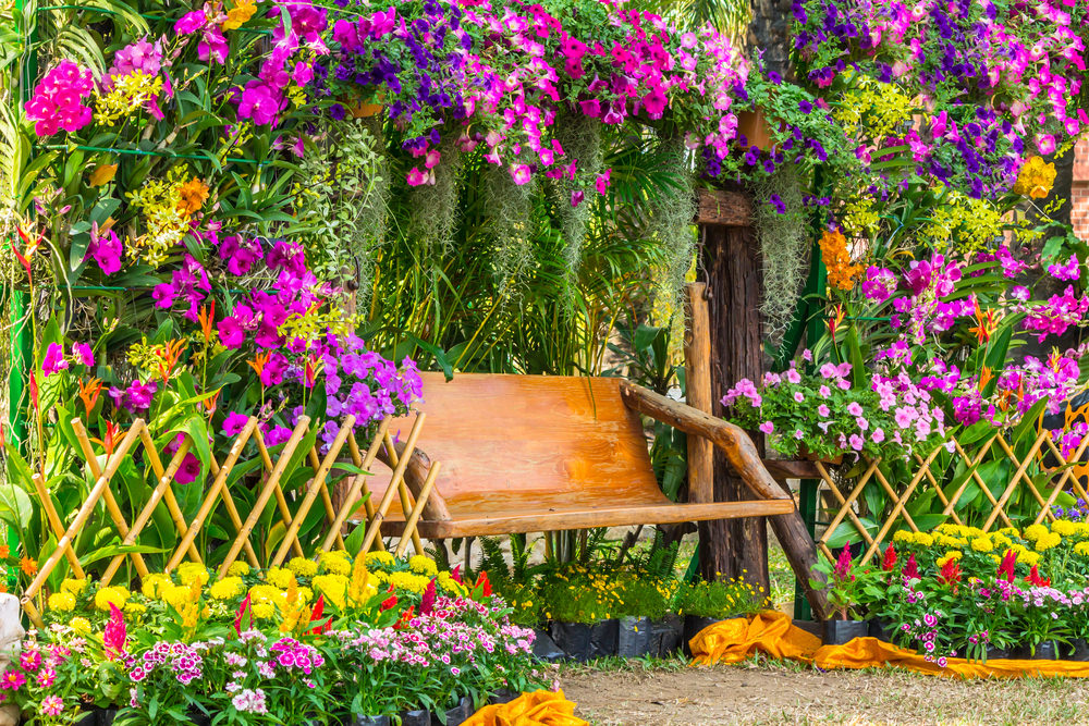 40 colorful garden ideas color explosion for Classic house with flower garden