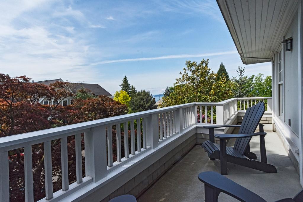 Upper balcony on American Foursquare home