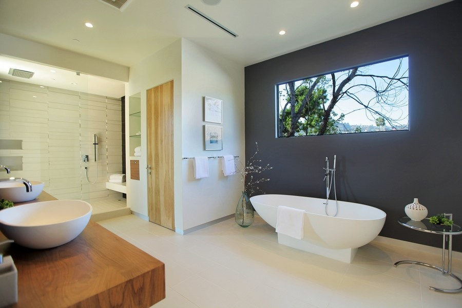 Attractive Bathroom Windows Ideas Part - 2: Window Placed High Up On The Wall For Bathroom Privacy