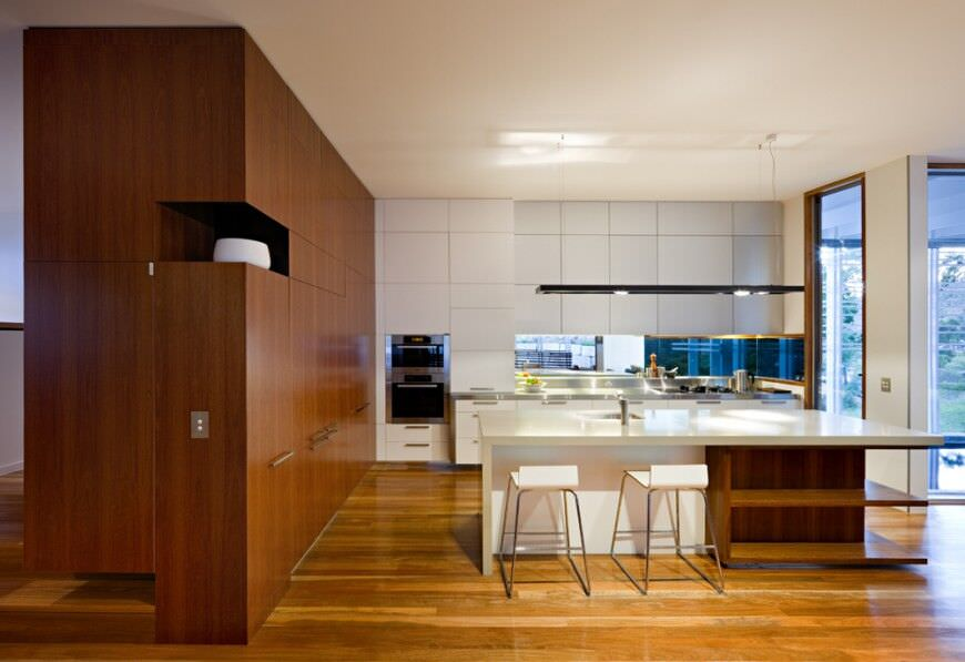 Attirant Modern Kitchen Design With Double Stainless Steel Wall Oven.