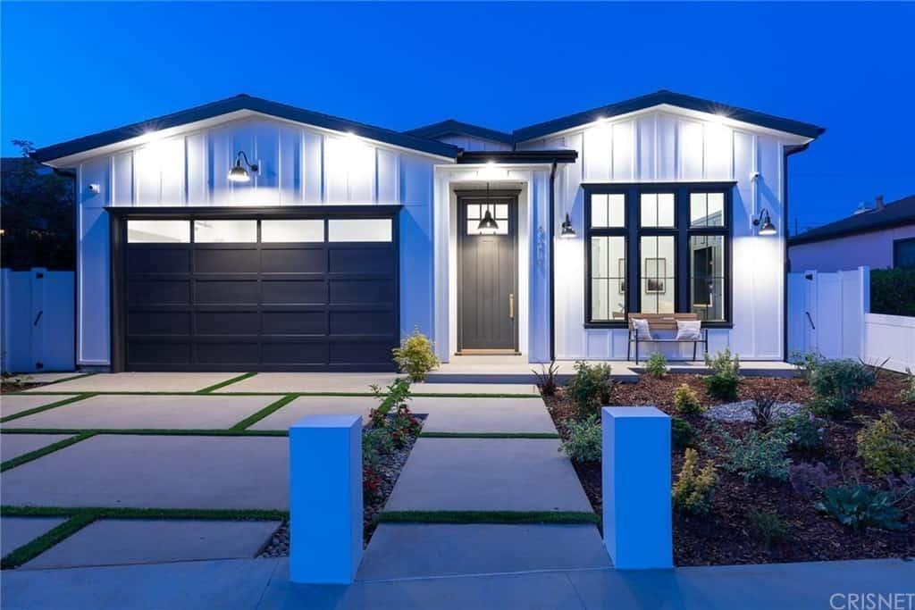 Single-Story Modern Farmhouse in Marina Del Rey
