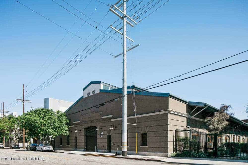 Former Sugar Beet Factory Transforms into an Award-winning Loft in LA's Arts District