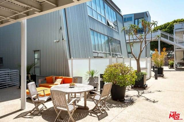Chic Residential with Dynamite Open Floor Plan, 15 ft.-Ceilings, Gallery Art Walls, and Polished Concrete Floors
