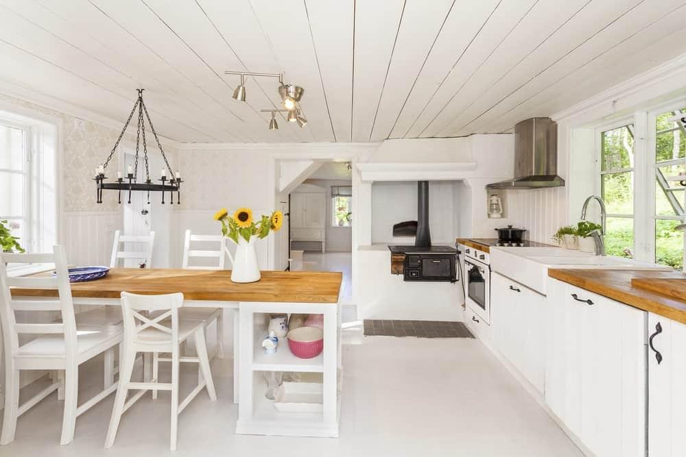 Wondrous 40 Country Style Dining Room Ideas Photos Creativecarmelina Interior Chair Design Creativecarmelinacom