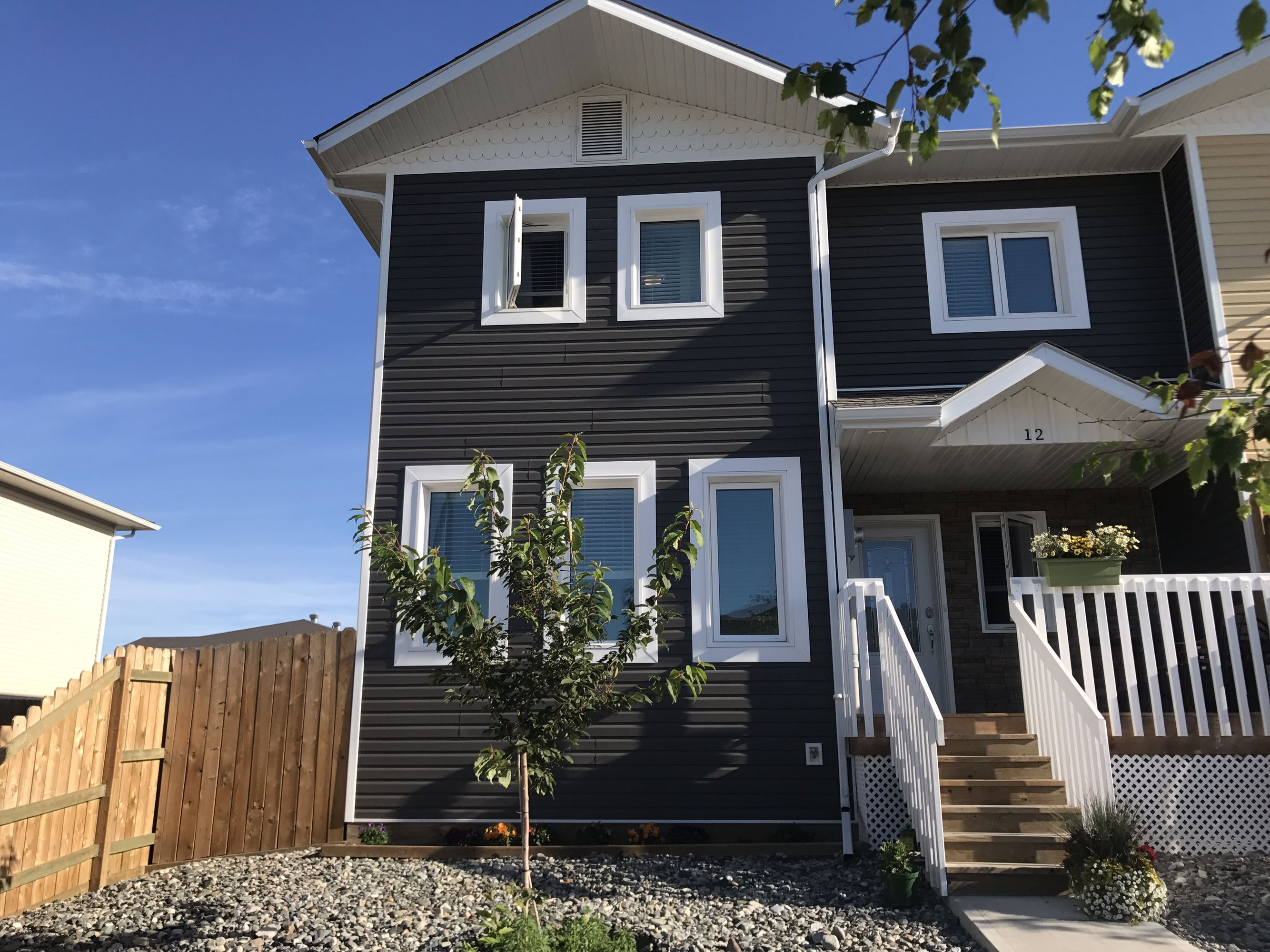 3 bedroom 2.5 bathroom Whistle Bend townhome for sale