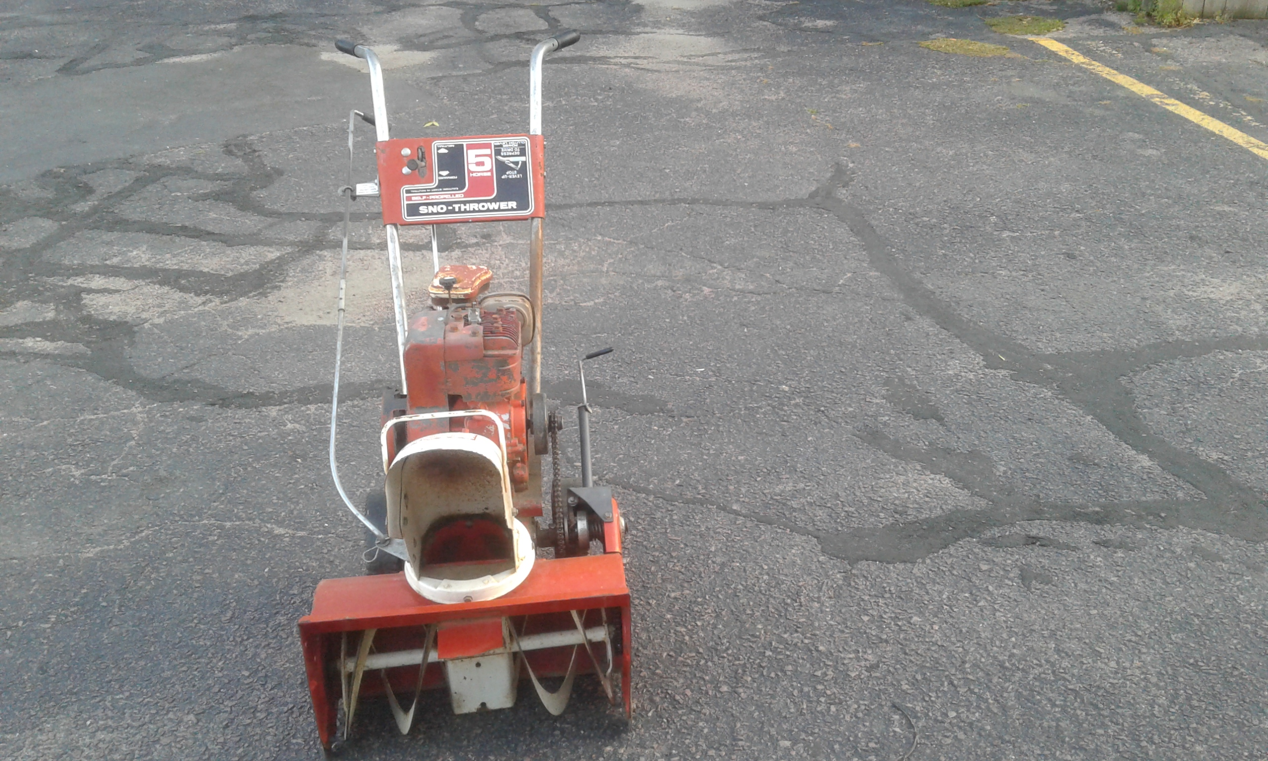 Briggs and stratton snow throwrt