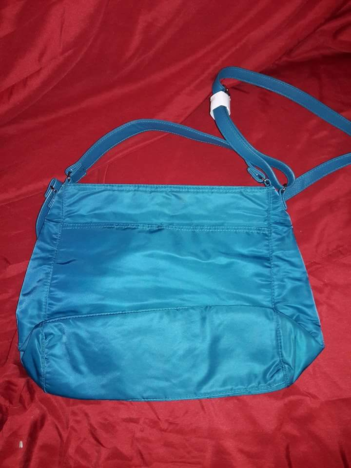 Thirty one cross body pocket book