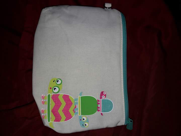 THIRTY ONE ZIPPER POUCHES