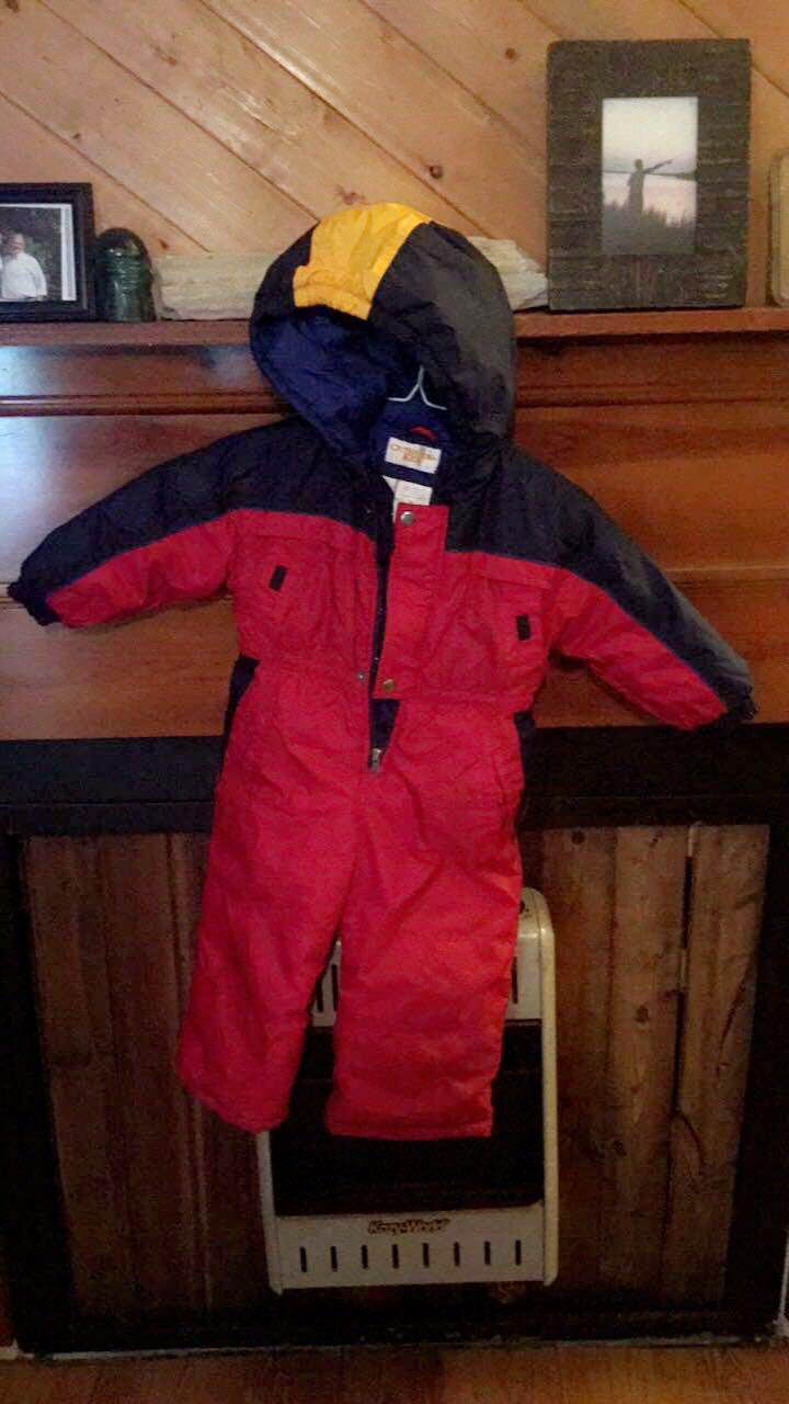 Kids snowsuit