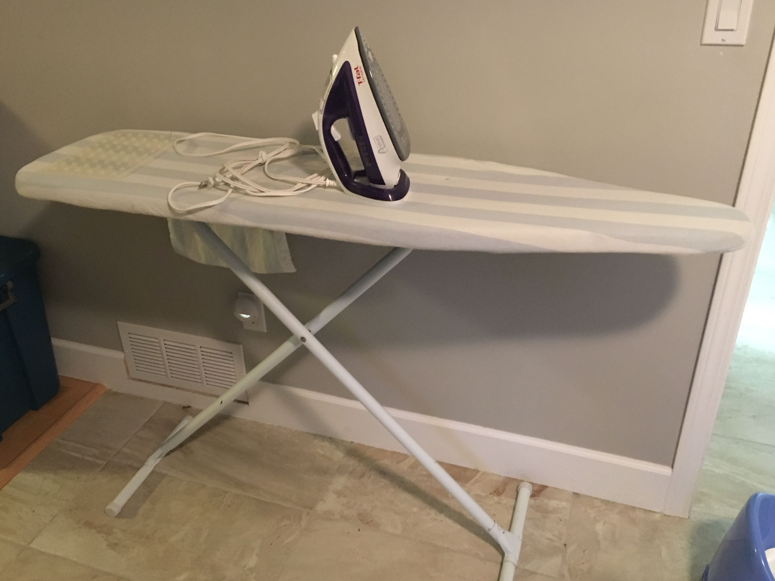 Ironing Board 2 Irons 2 Covers