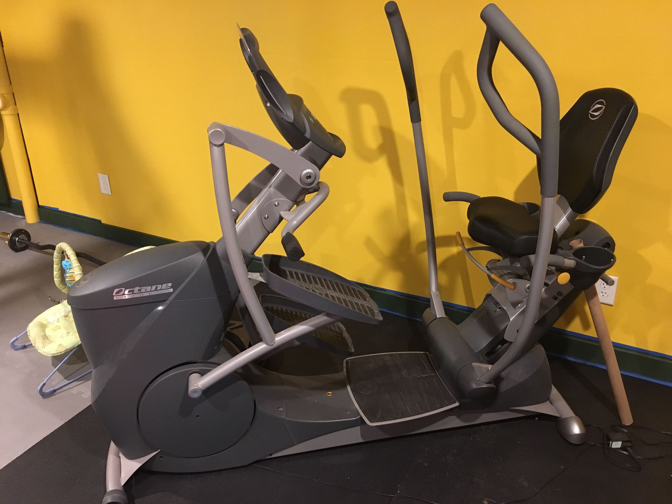 Octane Fitness xRide xR6 Seated Elliptical