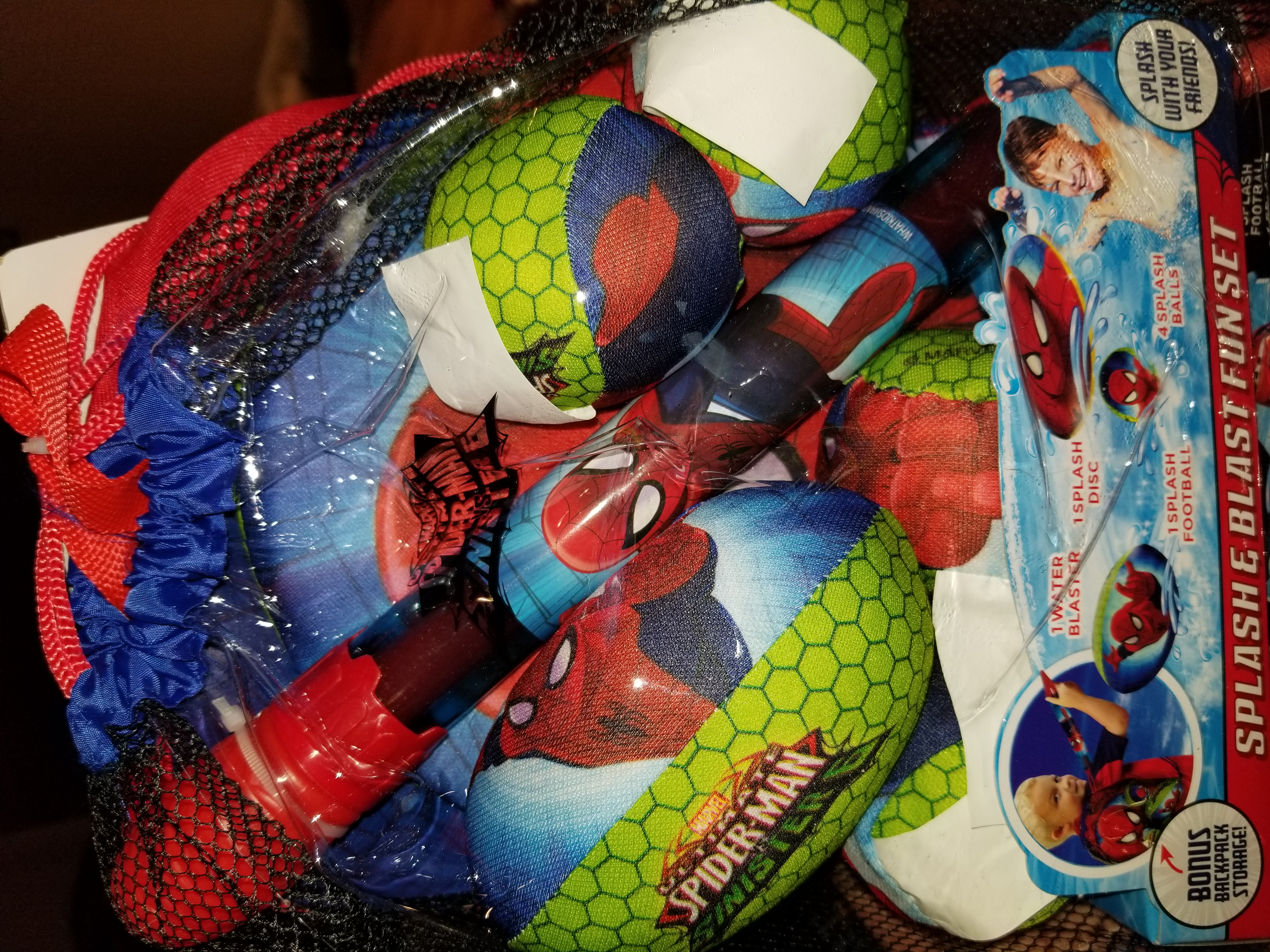 Spiderman splash and blast fun set