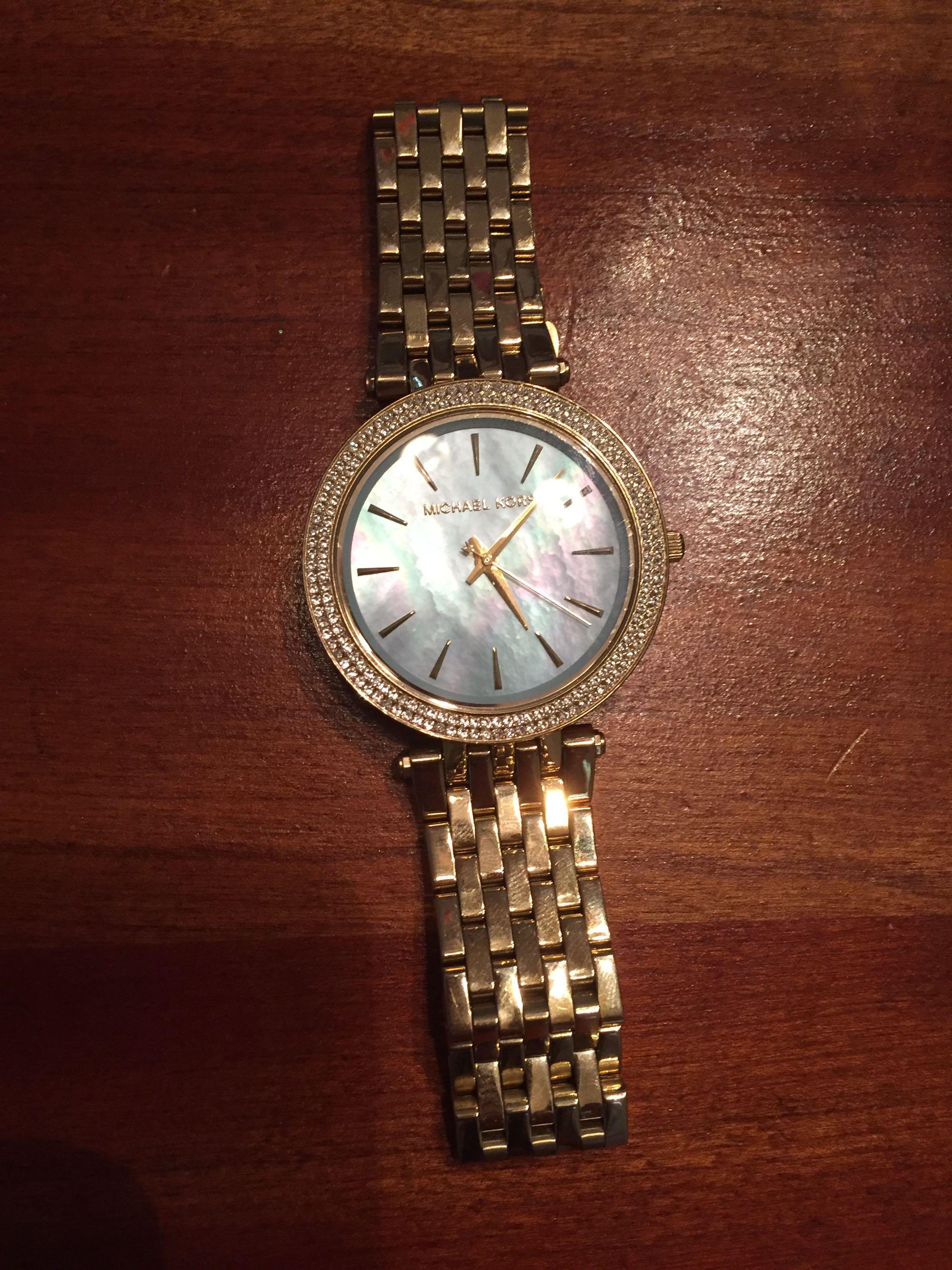Gold EUC Michael Kors watch