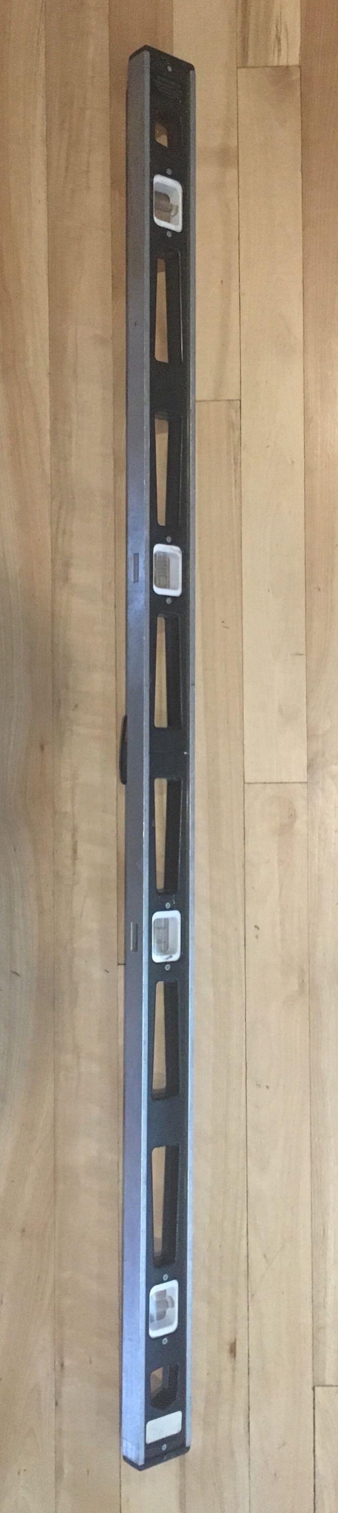 4-foot carpenters level