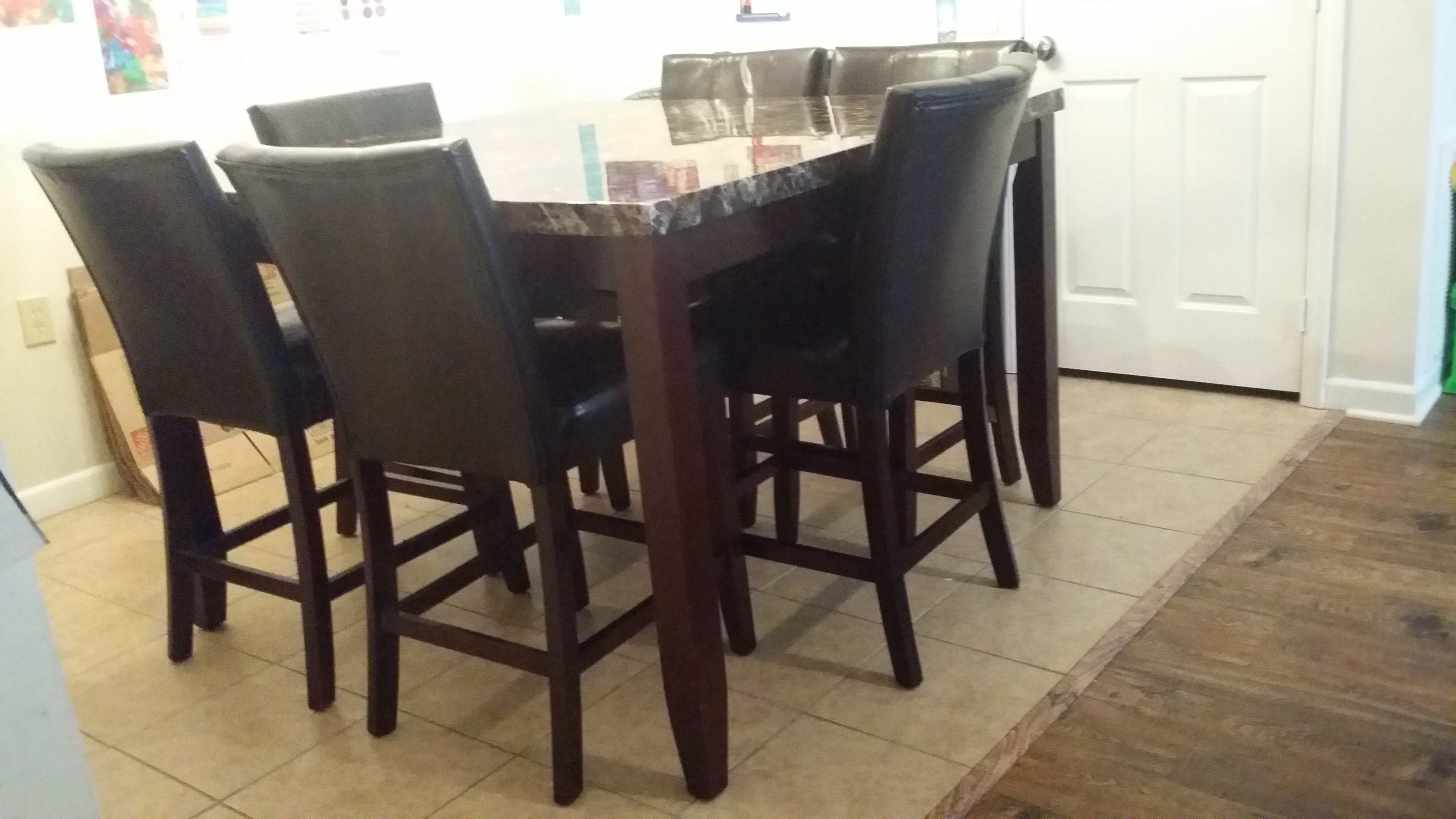 Dining Room Table for Sale!