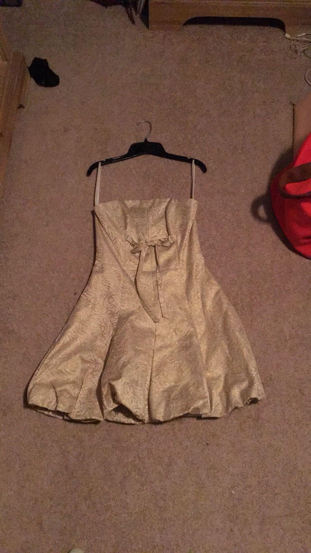 Coed/prom dress